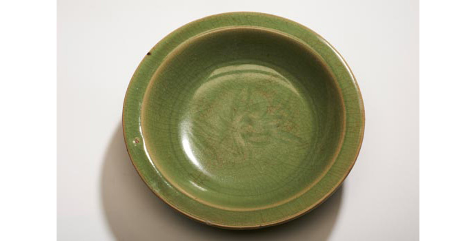 CR105 IACI.2002.288 Ming Dish China 4.3 x 21.2 x 20.9 cms Ceramic