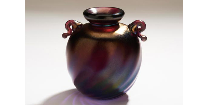 CR29 IACI.2002.243 Peter Pelletieri Vase United States 6.7 x 6.5 x 5.6 cms Glass