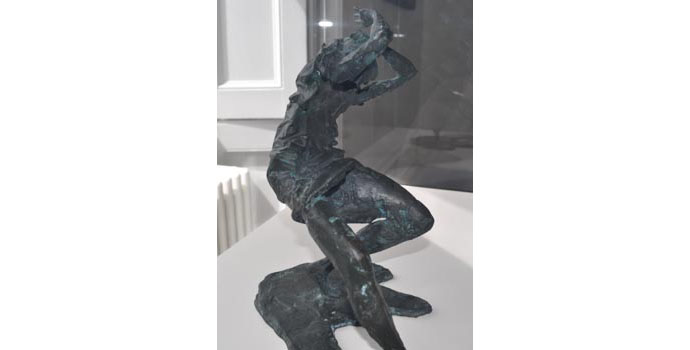 F.E McWilliam (1909-1992) Woman of Belfast 1972-1973, bronze, 30.5 x 30.4 x 26 cm IACI
